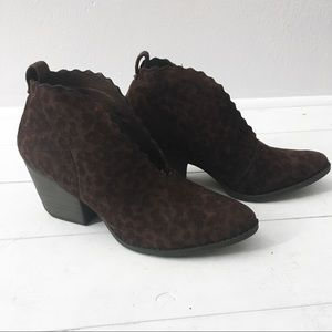 MATISSE brown leopard ankle booties